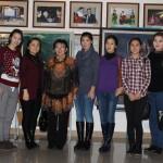 На выставку пришли целыми группами с куратором